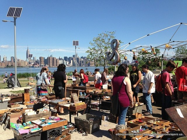 Mercadillo Williamsburg Skyline