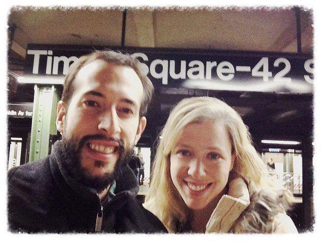 Pedro y Abby en Times Square