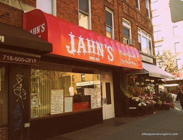 Entrada Jahns Diner Queens