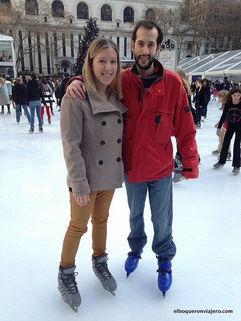 Pedro y Abby patinando