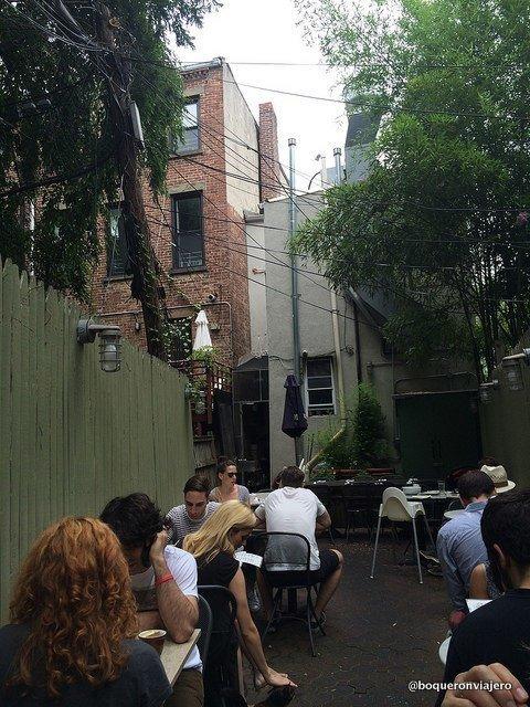 Terraza de Restaurante Dino Brooklyn