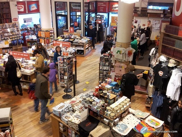 Interior de Strand Bookstore en Nueva York