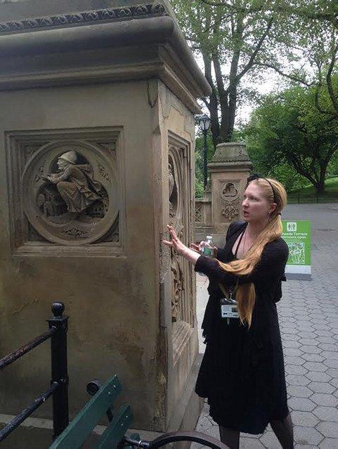 Excursión por los cementerios de Nueva York en Halloween