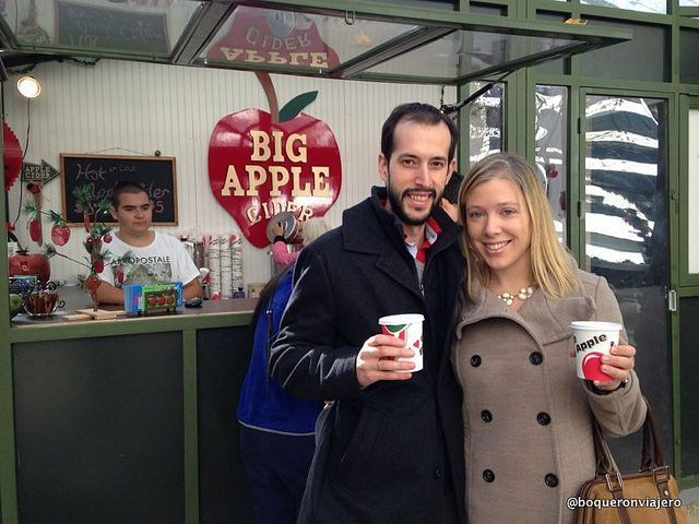Pedro y Abby en Bryant Park