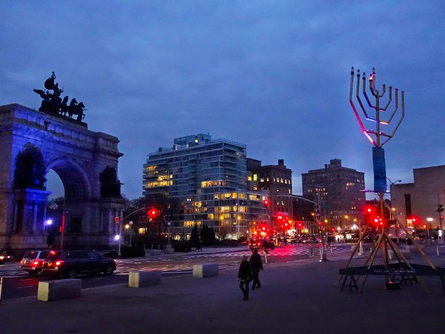 Menorah de Grand Army Plaza Brooklyn