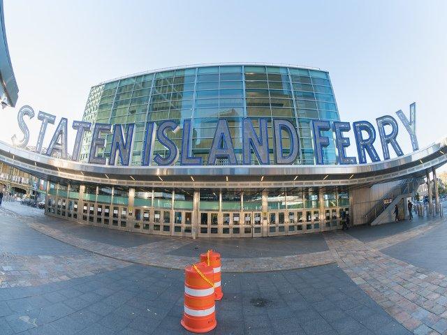 Un plan alternativo para año nuevo en Nueva York es un paseo en el Ferry de Staten Island