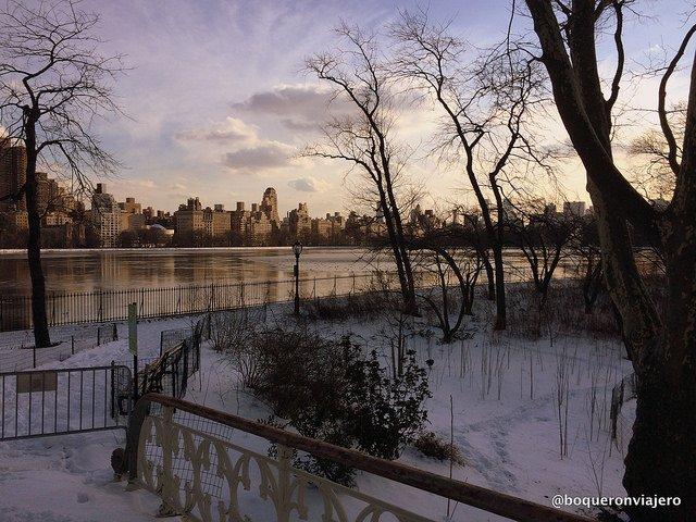 Central Park es uno de los sitios más bonitos de Nueva York en la nieve.