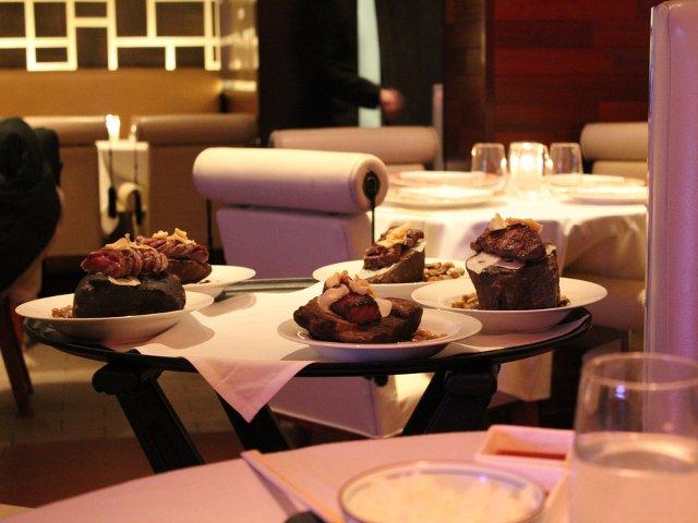 Esperando la llegada del solomillo en el NYC Restaurant Week