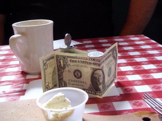 Hay que dejar propinas en Nueva York después de comer en un restaurante