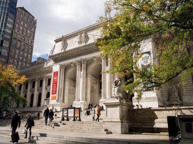 Visitar la biblioteca pública es otro de los planes baratos en Nueva York.