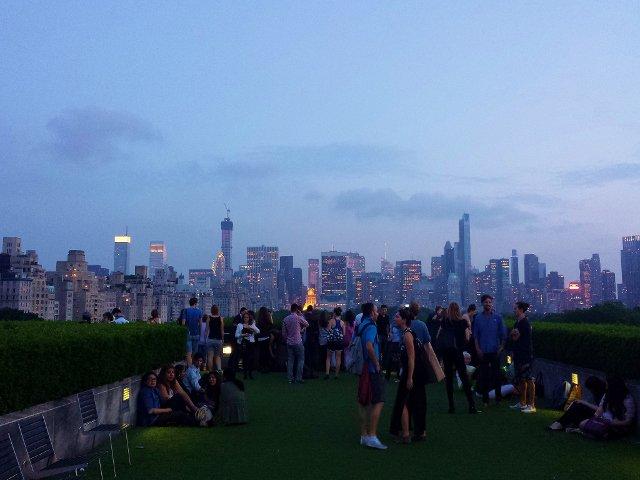 En junio en Nueva York cocktails en el rooftop del MET