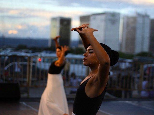 Esta semana en Nueva York una tarde de baile en el Río Hudson