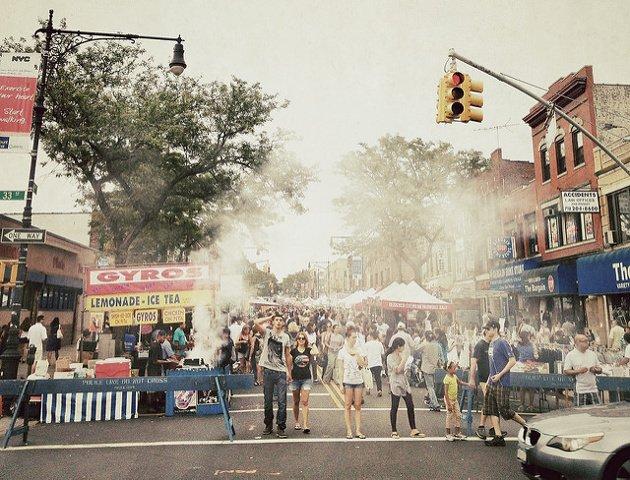 Esta semana en Nueva York una feria en la calle de Astoria Queens