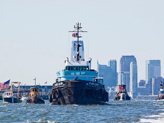 Esta semana en Nueva York una carrera de barcos remolcadores