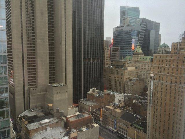 Vistas de Times Square y Midtown en el Riu Plaza New York
