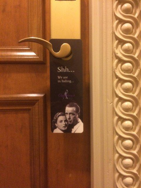 Cartel de no molestar en Casablanca Hotel Nueva York