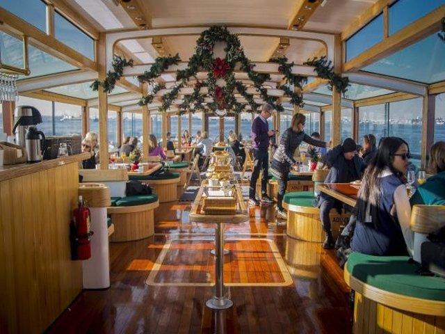 Crucero con brunch navideño en Nueva York