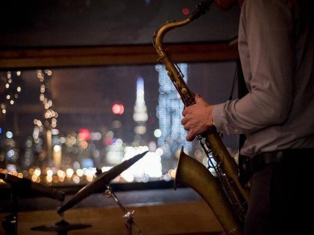 Crucero de jazz navideño en Nueva York