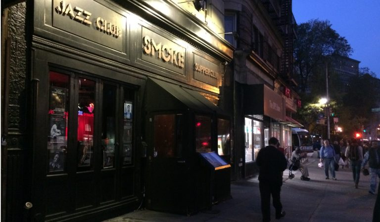 Exterior Smoke Jazz Nueva York