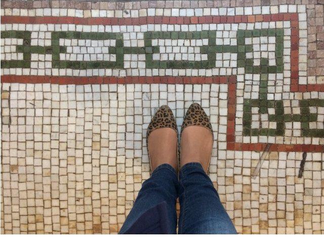 Suelo de azulejos en el Hotel Belleclaire en el Upper West Side de Nueva York