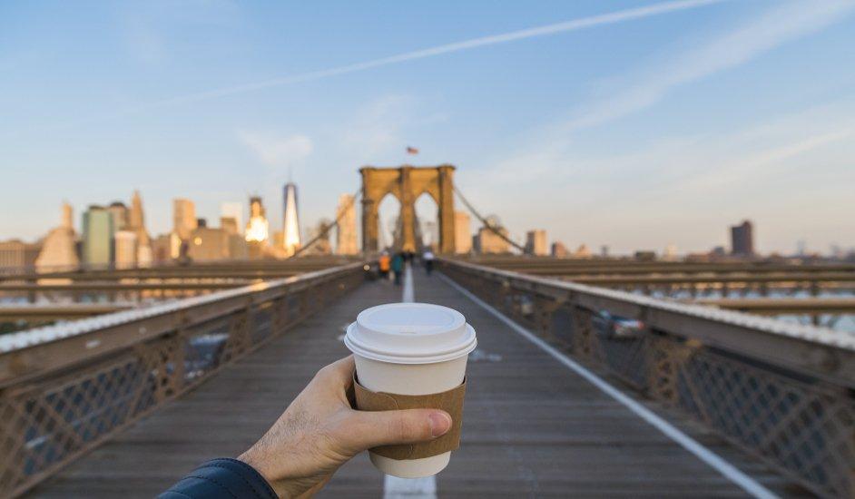 Un chocolate caliente para llevar en Nueva York