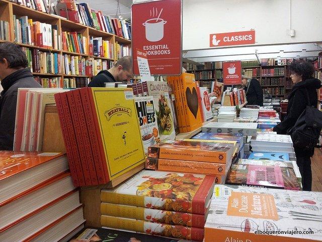 The Strand Books es un lugar para escaparse del frío en Nueva York