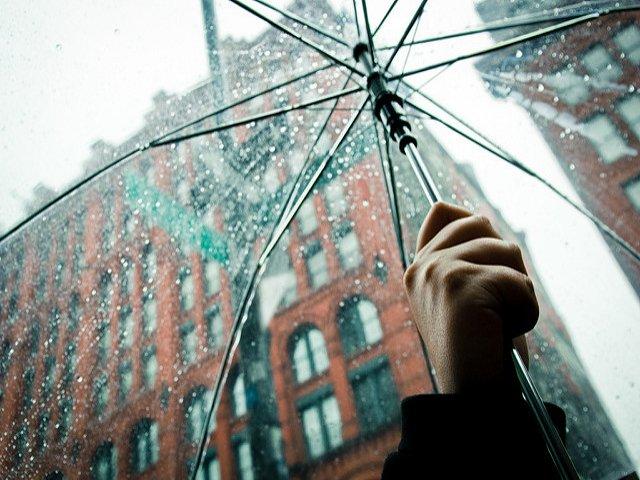 Es importante llevar cosas para la lluvia para Nueva York en primavera