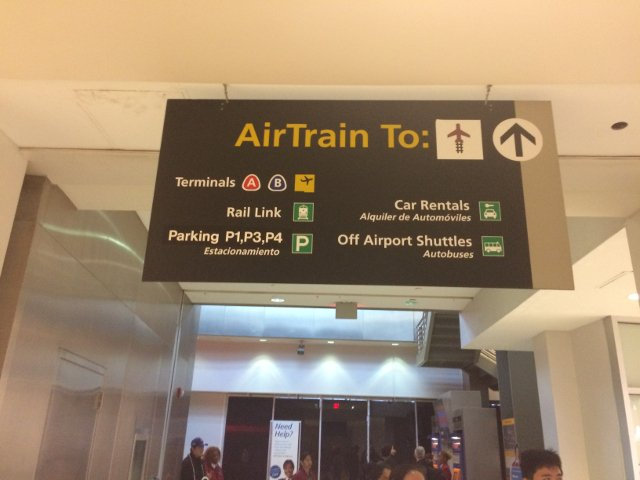 2 Cartel para Air Train y Rail Link
