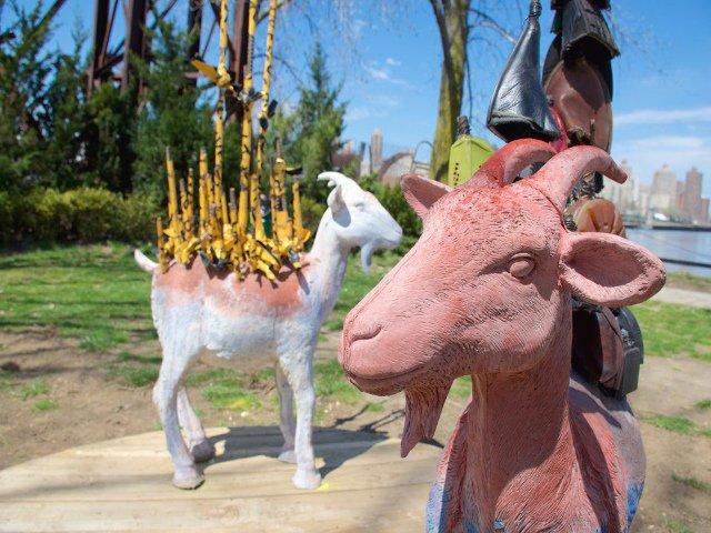 Esta semana en Nueva York Esculturas de Cabras en Queens