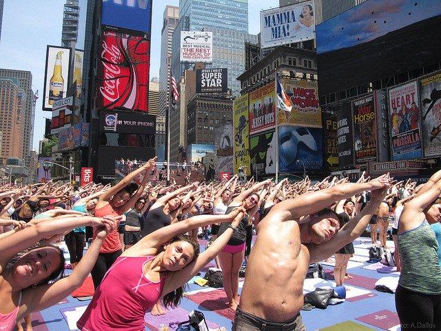 Esta semana en Nueva York yoga en Times Square
