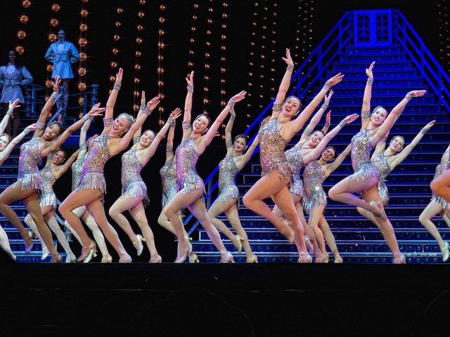 Las-Rockettes-en-el-espectaculo-de-Navidad-Broadway