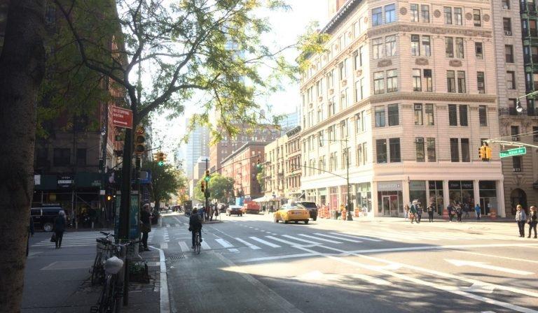 Amsterdam Avenue cerca de Hummus Place Upper West Side Nueva York