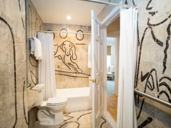 Bathroom Roger Smith Hotel