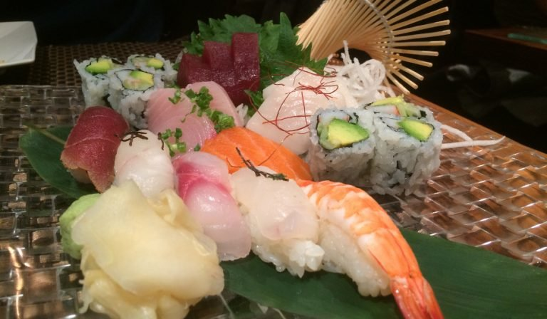 Mira Sushi Combo