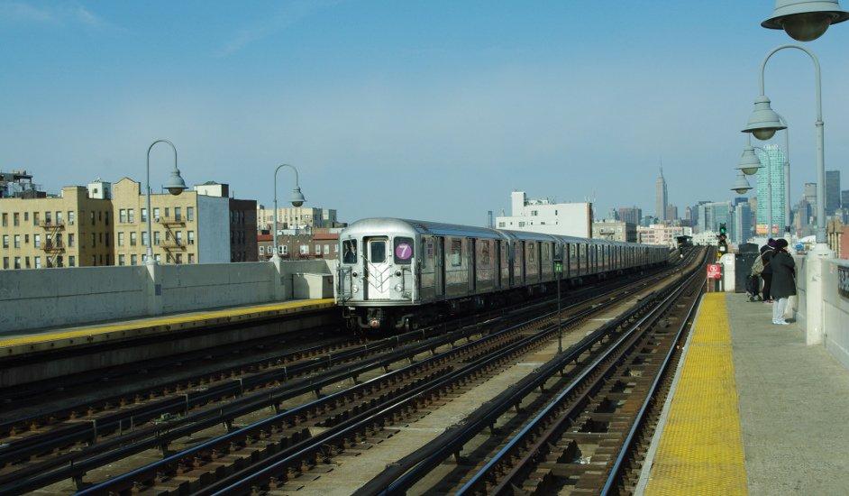 Metro en Sunnyside Queens