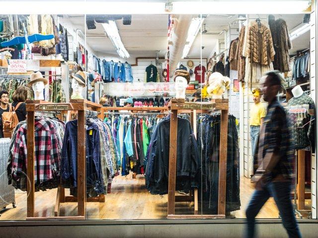 150cfe4260 Comprar en tiendas de segunda mano Nueva York. Foto (by-nc-nd) gabriel12