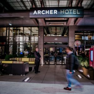 Entrada a Archer Hotel New York