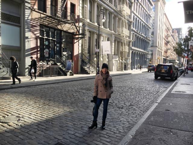 Abby en Soho durante el invierno en Nueva York que pasamos