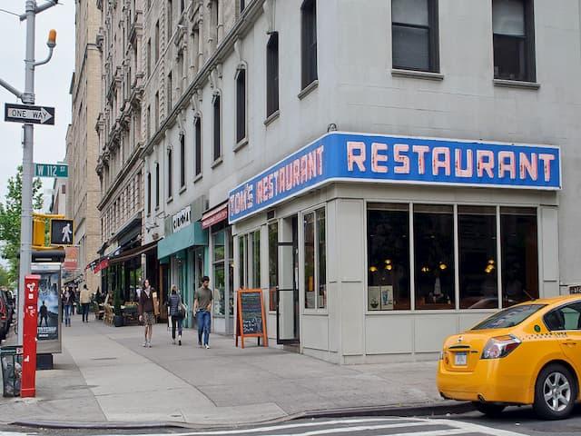Tom's Restaurant es un diner clásico de series de televisión