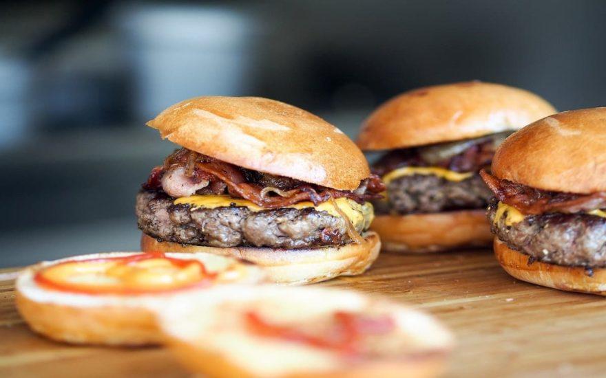 Comiendo hamburguesas en Nueva York por un buen precio