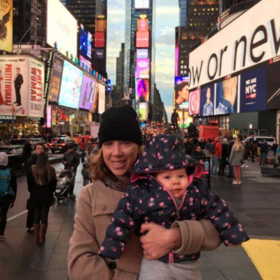 Abby y Paula en Times Square